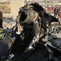 Моменты взрыва и падения самолета МАУ над Ираном (видео)